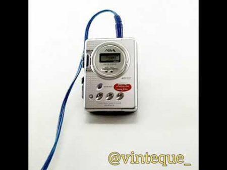 Aiwa Stereo Radio Cassette Player 1