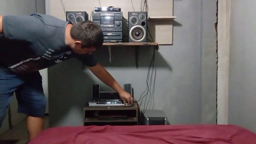 Aiwa Surround Sound Speakers 1