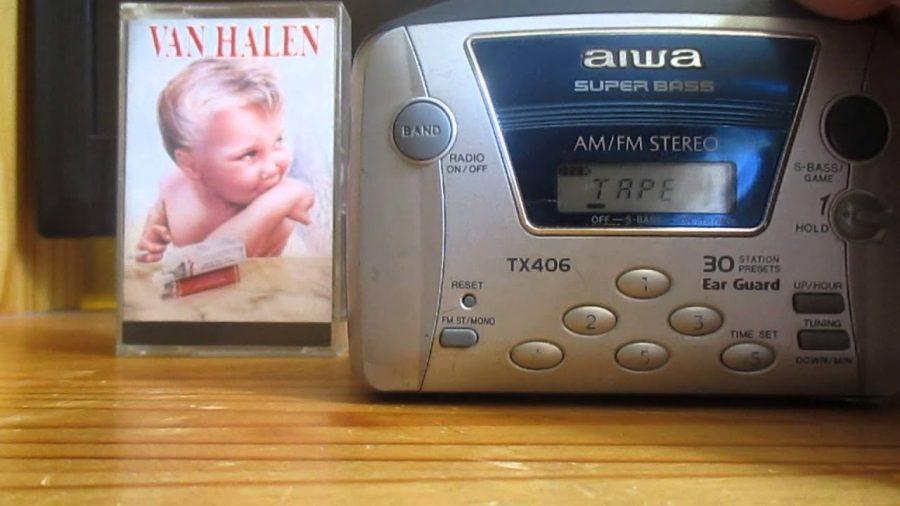 Aiwa Walkman Super Bass 1