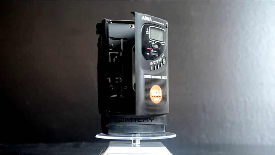 Aiwa Portable Cassette Player 1
