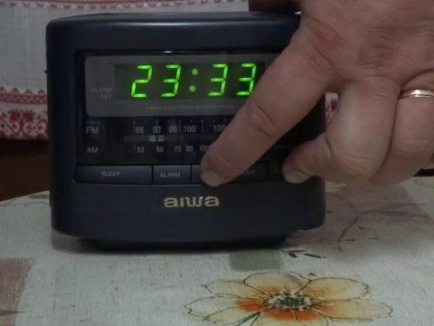 Radio Reloj Despertador Aiwa 65