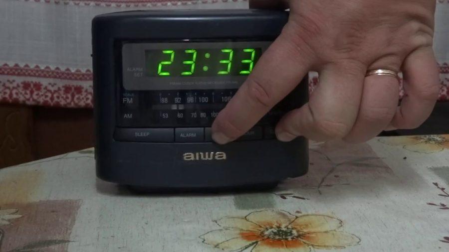 Radio Reloj Despertador Aiwa 1